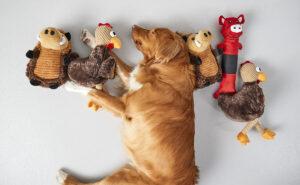 عروسک اسباببازی سگ